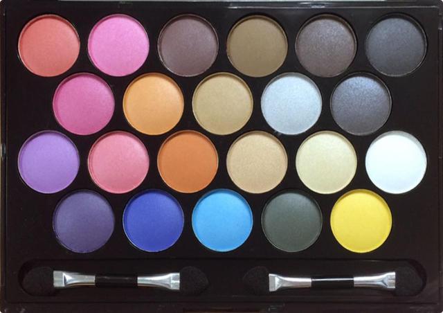 ドルチェコスメティック 22色メイクパレットの商品画像